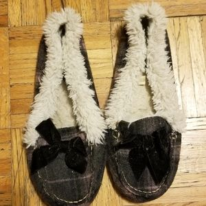 American Eagle Moccasins Size 9